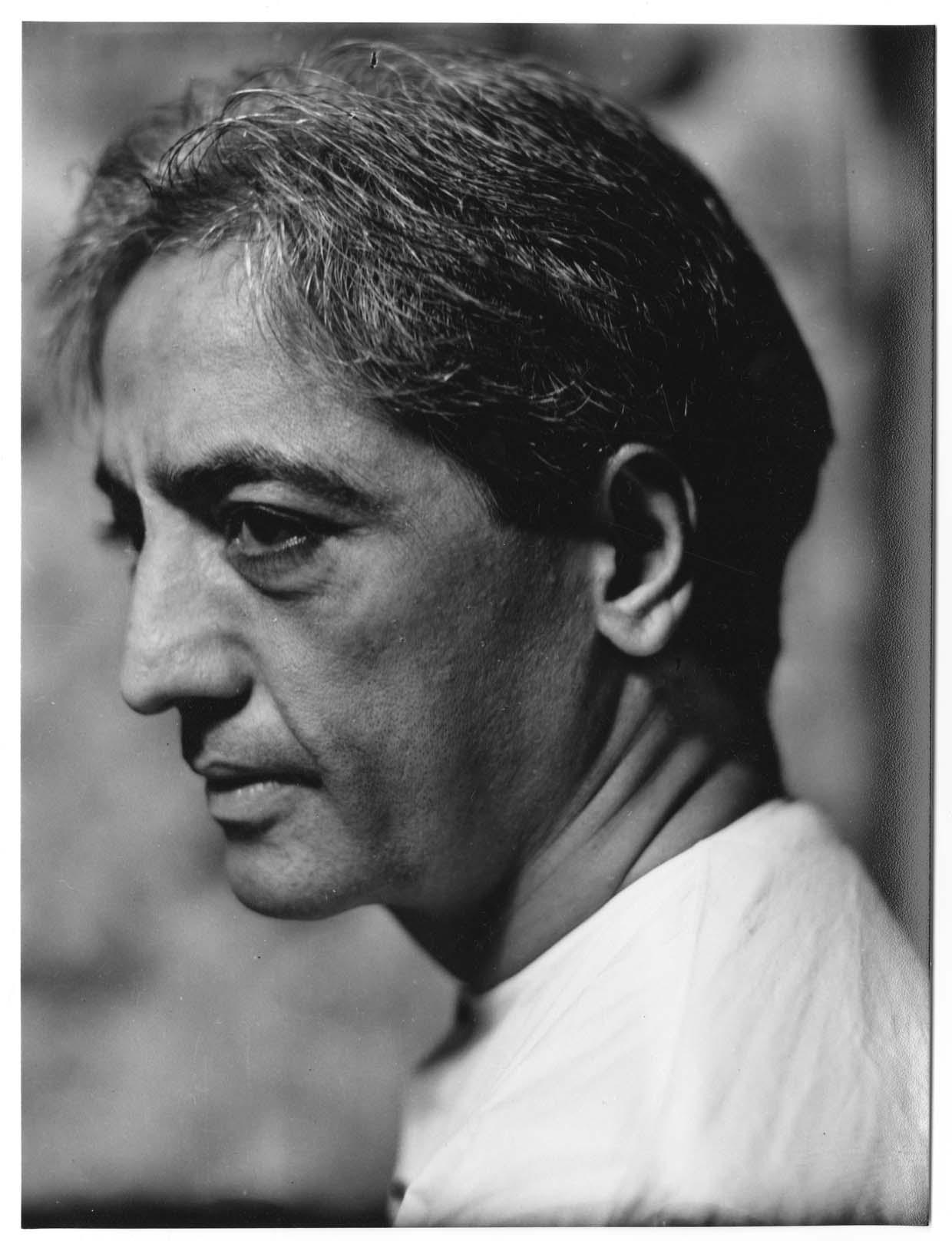 """Cartas de J. Krishnamurti a una amiga:  """"Afortunado el Hombre que nada es"""" (1)"""